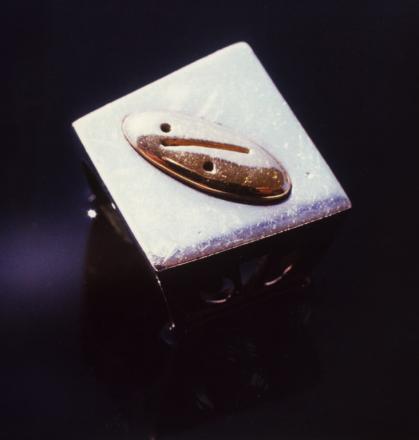 TRA OGGETTI E GIOIELLI_design_GianniVeneziano_1994_VenezianTeam_6